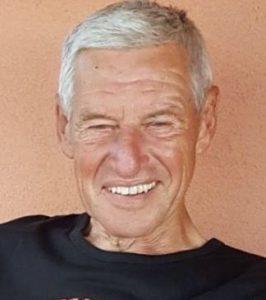 Louis Schützenhöfer untersucht das Unternehmen Leben